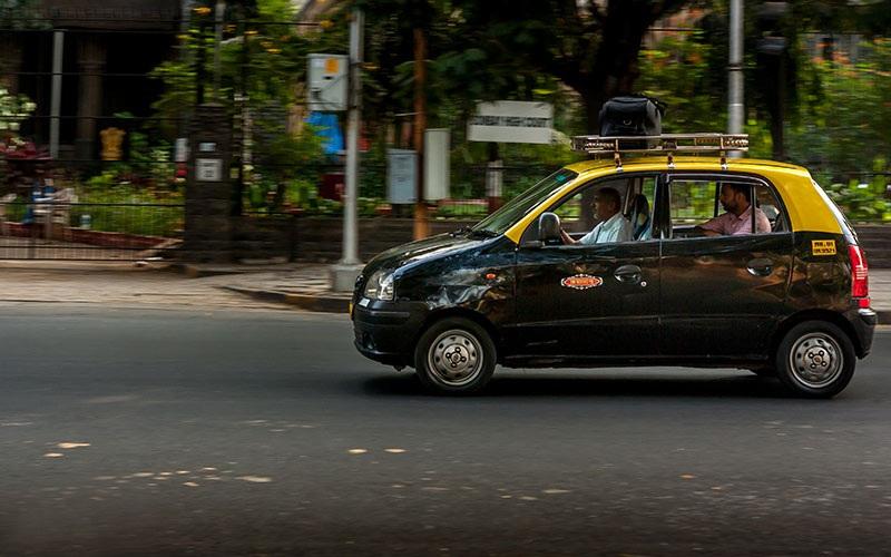 تصویر تاکسی در تاکسیرانی در هند